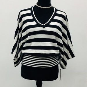 BCBG Light black and off white sweater